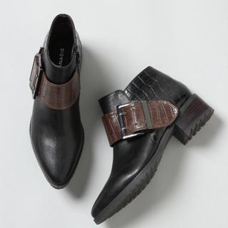 ジーナシス(JEANASIS)のベルトブーツ mサイズ(ブーツ)