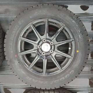 グッドイヤー(Goodyear)の195/65R15 スタッドレス 4本セット 2018製(タイヤ・ホイールセット)