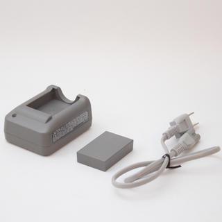 オリンパス(OLYMPUS)の❤オリンパス 純正充電器とバッテリーセット❤(バッテリー/充電器)