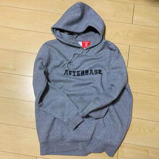 アフターベース(AFTERBASE)のafterbase ロゴパーカー(パーカー)