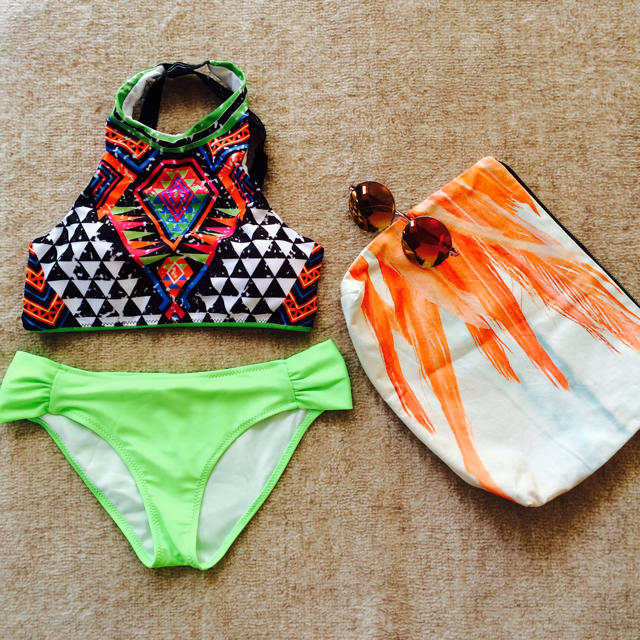 ネオンイエロー★タンクトップビキニ レディースの水着/浴衣(水着)の商品写真