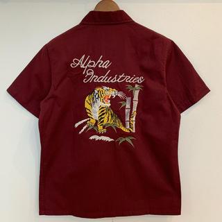 アルファインダストリーズ(ALPHA INDUSTRIES)の【美品】ALPHA INDUSTRIES 半袖スカシャツ 刺繍 ワインレッド(シャツ)