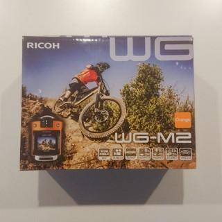 リコー(RICOH)のRICOH 防水アクションカメラ WG-M2 オレンジ(コンパクトデジタルカメラ)