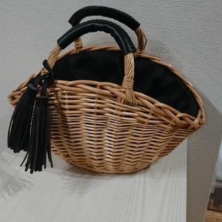 シマムラ(しまむら)の新品☆しまむら購入☆タッセル付きかごバッグ(かごバッグ/ストローバッグ)