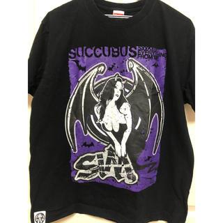 デビルユース(Deviluse)の【値下げしました】SiM サキュバス Tシャツ(ミュージシャン)