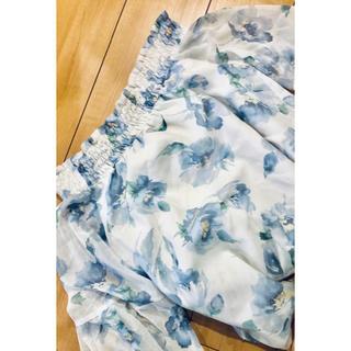 セシルマクビー(CECIL McBEE)の綺麗めトータルコーデ★花柄ブラウス&タイトスカート(セット/コーデ)