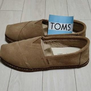 トムズ(TOMS)のトムス ベージュ  27.5cm(スリッポン/モカシン)