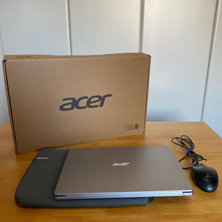 エイサー(Acer)のacer Swift1 シルバー ノートパソコン マウスとケース付き(ノートPC)