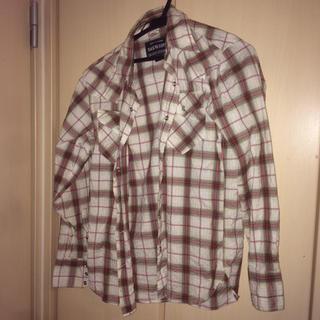 バックナンバー(BACK NUMBER)の家にあった服(ポロシャツ)