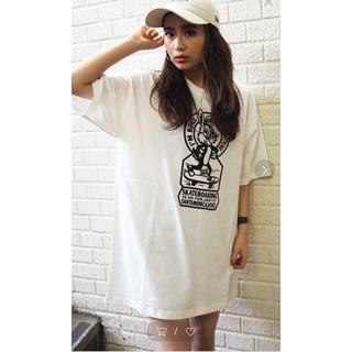 ジェイダ(GYDA)のGYDA SK8BUNNY BIG Tシャツ(Tシャツ(半袖/袖なし))
