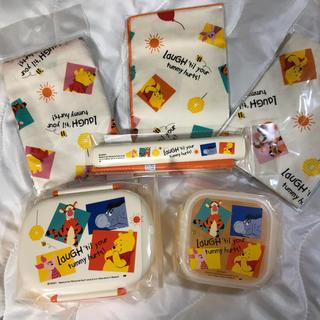 クマノプーサン(くまのプーさん)のディズニー プーさん ランチボックス+巾着+お箸 全6点セット(弁当用品)