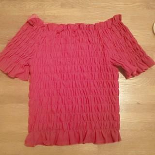 ミーア(MIIA)のオフショルダートップ(Tシャツ(半袖/袖なし))