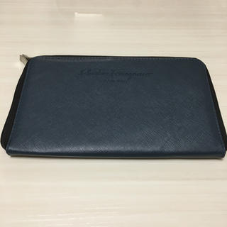 サルヴァトーレフェラガモ(Salvatore Ferragamo)のフェラガモパスポートケース(旅行用品)