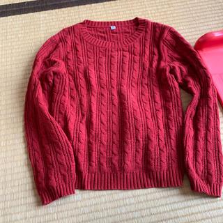 ユニクロ(UNIQLO)のユニクロ赤セーター140(ニット)