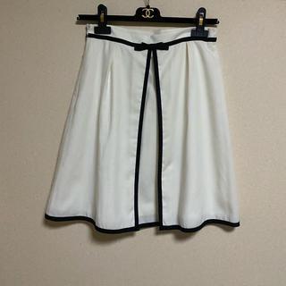 デビュードフィオレ(Debut de Fiore)のDebut de Fiore 素敵なデザイン おリボン スカート(ひざ丈スカート)
