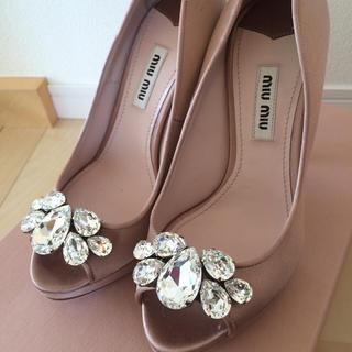 miumiu(ミュウミュウ)の超美品♡ miumiu ビジューパンプス レディースの靴