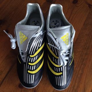 アディダス(adidas)のサッカースパイク(スニーカー)