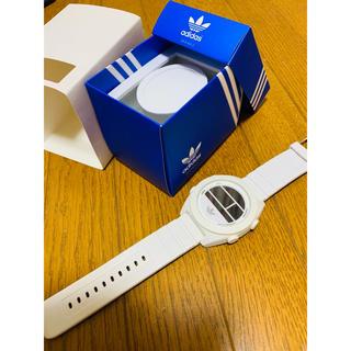 アディダス(adidas)のadidas 腕時計 白(腕時計(デジタル))