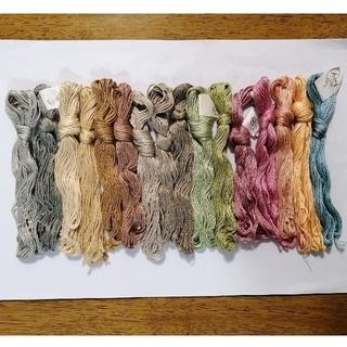オリンパス(OLYMPUS)のycさん専用 16本 刺繍糸(生地/糸)