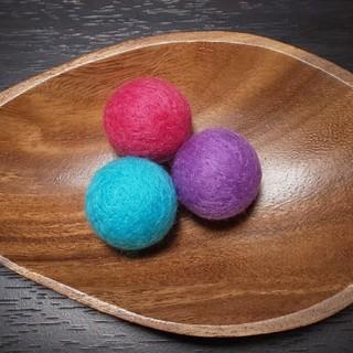 K&M様専用☆ 羊毛フェルトボール《猫のおもちゃ》鈴入り(おもちゃ/ペット小物)