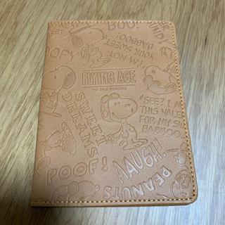 スヌーピー(SNOOPY)のパスポート入れ✨スヌーピー(旅行用品)