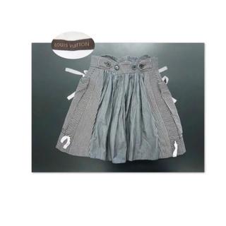 ルイヴィトン(LOUIS VUITTON)のLOUIS VUITTON ランウェイ ギャザーフリルの後ろ姿が可愛いスカート(ミニスカート)