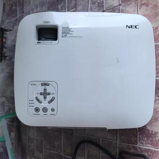 エヌイーシー(NEC)のNEC VT695(プロジェクター)