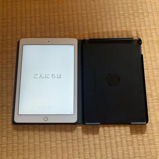 アップル(Apple)のiPad Air 2 ゴールド32GB SIMロック解除済(タブレット)