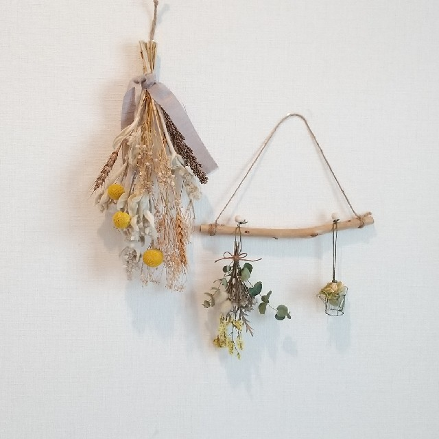 値下げ☆グレーリボンのスワッグと流木ハンガー    二点セット ハンドメイドのフラワー/ガーデン(ドライフラワー)の商品写真