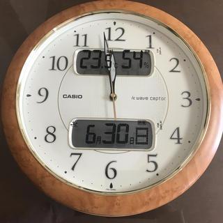 カシオ(CASIO)のCASIO (カシオ) 温度湿度計付き 常時点灯ライト付き 電波壁掛け時計(掛時計/柱時計)