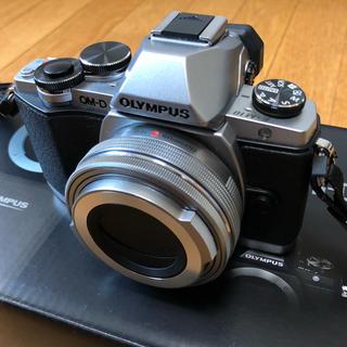 オリンパス(OLYMPUS)の【OLYMPUS】デジタル一眼カメラ OM-D E-M10(デジタル一眼)