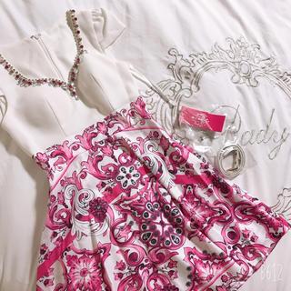 ジュエルズ(JEWELS)の⭐︎新品⭐︎ ビジュー ミニ Aライン フレアスカート  ピンク 白 ホワイト(ミニドレス)