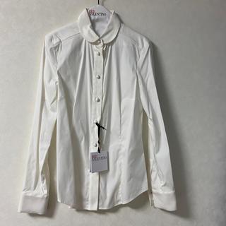 レッドヴァレンティノ(RED VALENTINO)の新品☆ RED VALENTINO 白シャツ 丸襟ブラウス 42(シャツ/ブラウス(長袖/七分))