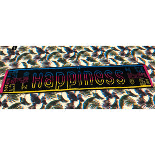 ハピネス(Happiness)のHappiness マフラータオル(ミュージシャン)