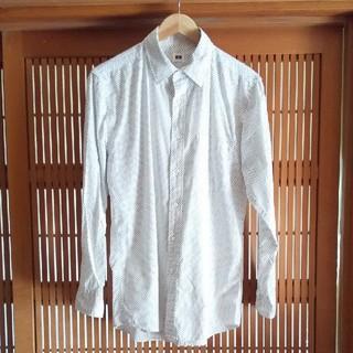 ユニクロ(UNIQLO)のメンズ 綿シャツ*白地ドット柄(シャツ)