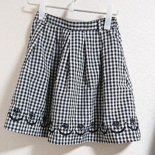フィント(F i.n.t)の裾ローズ刺繍ギンガムスカート(ミニスカート)