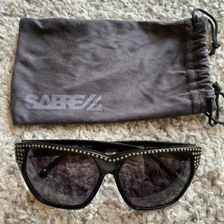 セイバー(SABRE)のSABRE(セイバー) スタッズ付きサングラス(サングラス/メガネ)