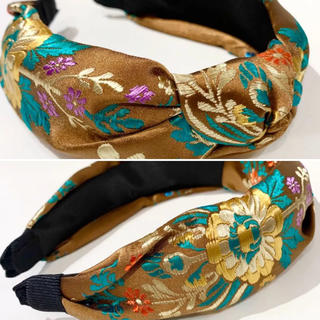 ZARA - 新品 サテン刺繍カチューシャ