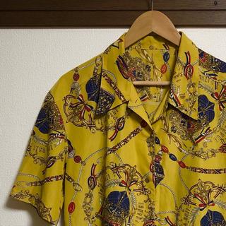 アートヴィンテージ(ART VINTAGE)のVINTAGE スカーフ柄 オープンカラーシャツ(シャツ)