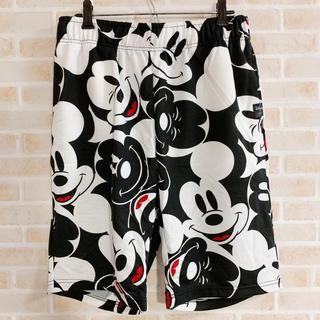ディズニー(Disney)の新品未使用 ミッキー 総柄 ショーツ ハーフパンツ 古着 派手 個性 XL(ショートパンツ)