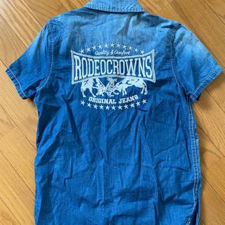 ロデオクラウンズ(RODEO CROWNS)の❤RODEO CROWNSバック刺繍デニムシャツ❤(シャツ/ブラウス(半袖/袖なし))