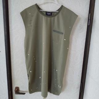ハーフマン(HALFMAN)のダメージ加工 カーキ トップス(Tシャツ/カットソー(半袖/袖なし))