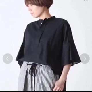 ルカ(LUCA)のluca♡スタンドカラーシャツ黒と白2点(シャツ/ブラウス(長袖/七分))
