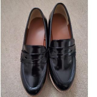 ジーユー(GU)のGUプラットフォームローファー ブラック(ローファー/革靴)
