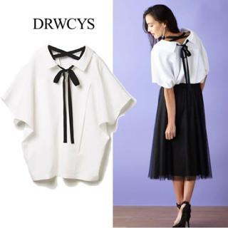 ドロシーズ(DRWCYS)の【DRWCYS】フレンチスリーブバックリボンシャツ(シャツ/ブラウス(半袖/袖なし))
