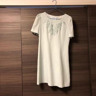 スナイデル(snidel)のミントグリーン刺繍ドレス 結婚式ドレス (ミディアムドレス)
