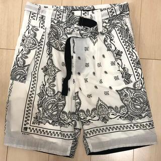 サカイ(sacai)のSacai Bandana Printed Shorts(ショートパンツ)