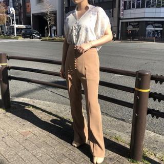 マメ(mame)のMAME HighWaisted Flare Pants(カジュアルパンツ)