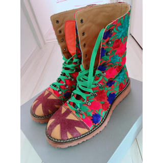 ヴィヴィアンウエストウッド(Vivienne Westwood)のヴィヴィアン  刺繍 ブーツ(ブーツ)