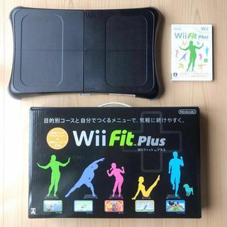ウィー(Wii)のwii fit plus セット(家庭用ゲームソフト)
